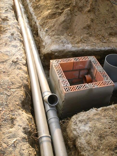Nieuwe afvoer geplaatst bij verstopping of verouderde installatie