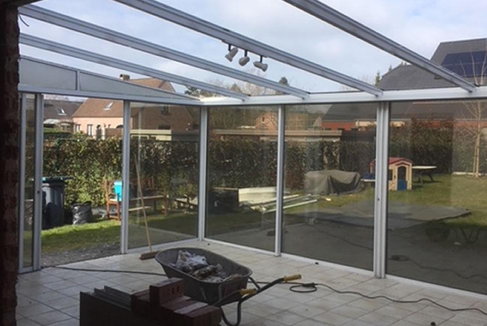 Plaatsen van terrasvloer, klinkerwerken en nieuwe veranda (2/10)