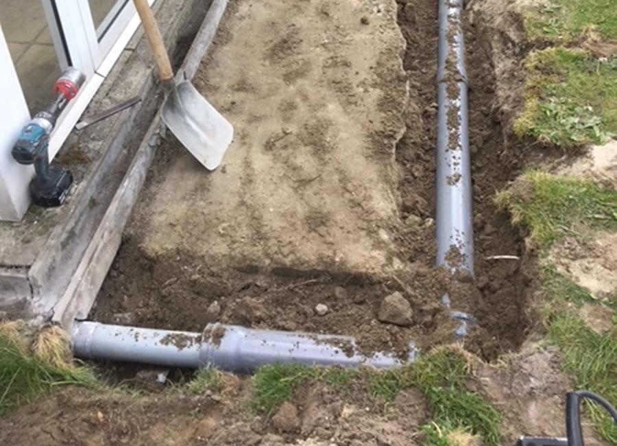 Plaatsen van terrasvloer, klinkerwerken en nieuwe veranda (6/10)