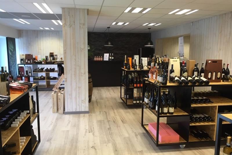 Totale renovatie van pand getransformeerd tot wijn- en drankenhandel (1/2)